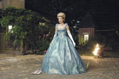 Jessy Schram as Cinderella Once Upon a Time 1x04