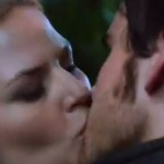 Emma and Hook kiss in Good Form